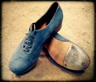 claque-valencia-zapatos-menkes-01